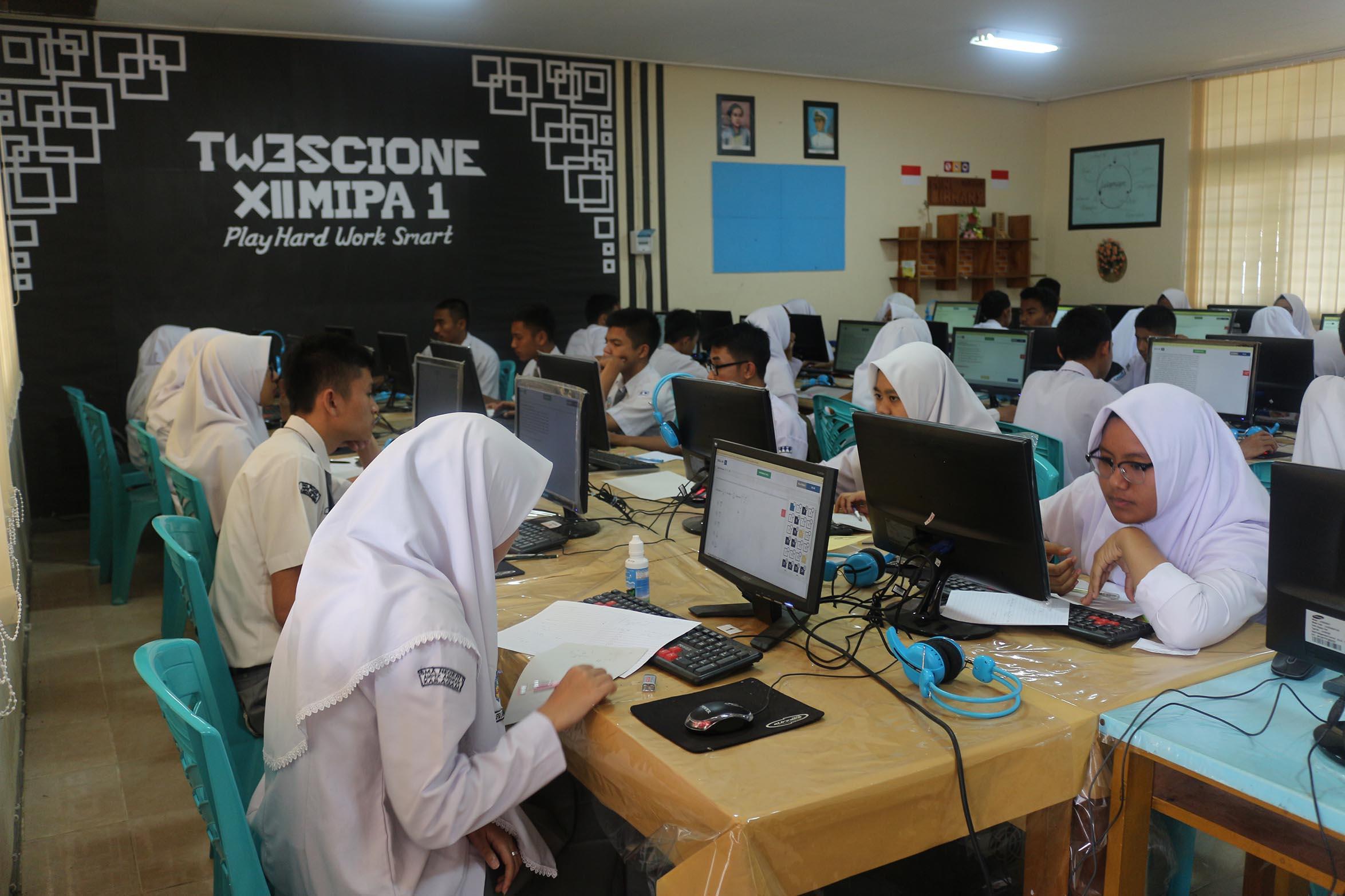 Siswa Kelas XII TP. 2017/2018 Lakukan Simulasi UNBK