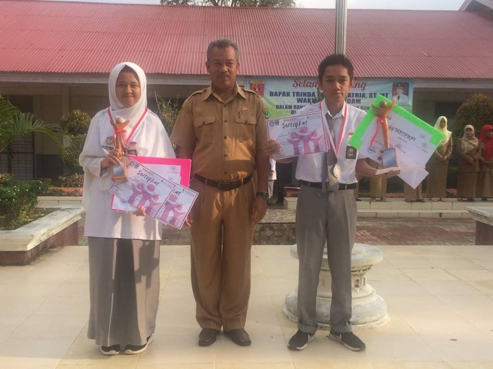 Siswa SMAN 1 Ampek Angkek Raih Peringkat Dua dan Tiga Pada SMAPSIC XII di SMAN 1 Padang