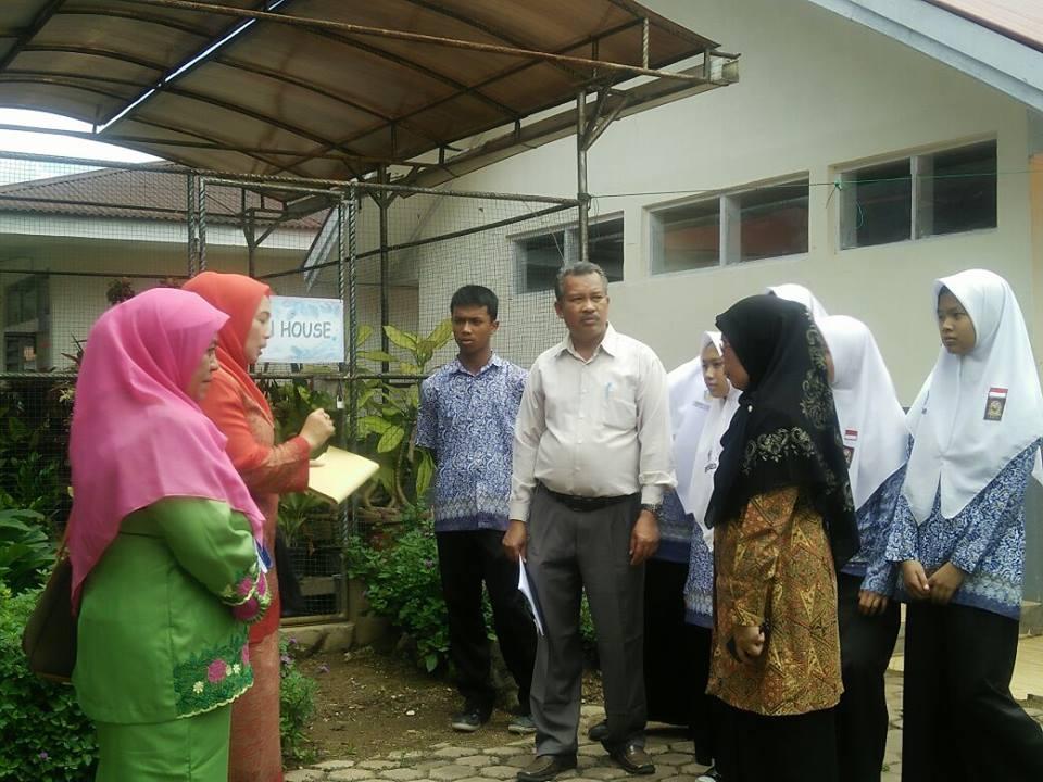 Tim Sekolah Sehat Kabupaten Agam Lakukan Pembinaan Ke SMAN 1 Ampek Angkek