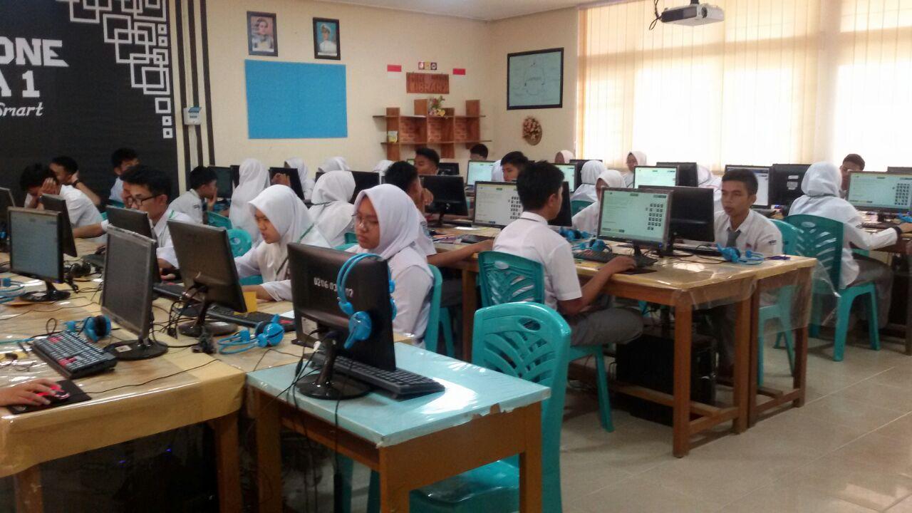 SMAN 1 Ampek Angkek Melaksanakan Simulasi UNBK ke-2 TP. 2018/2019