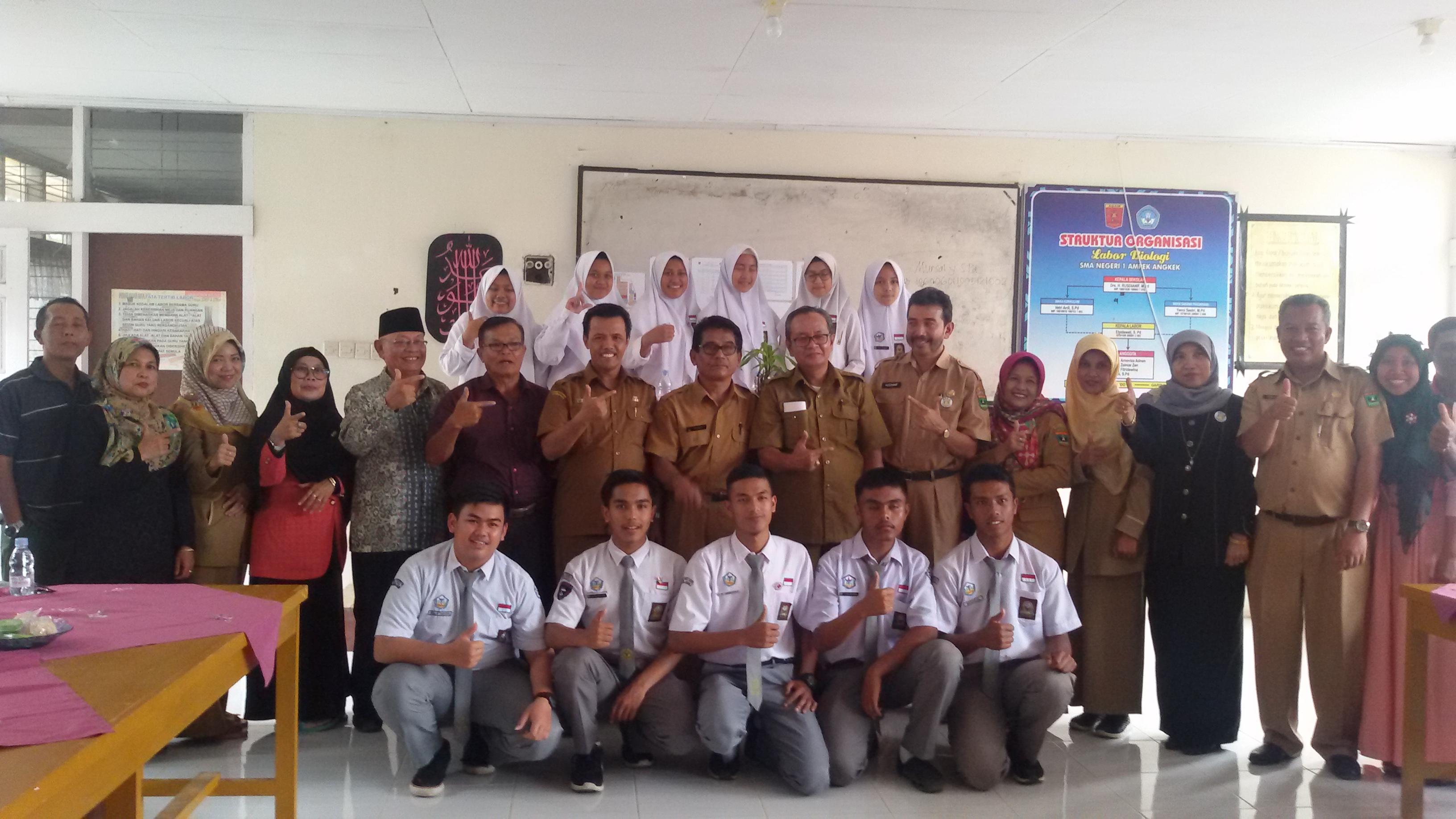Tim Sekolah Sehat Propinsi Sumatera Barat Lakukan Pembinaan di SMAN 1 Ampek Angkek