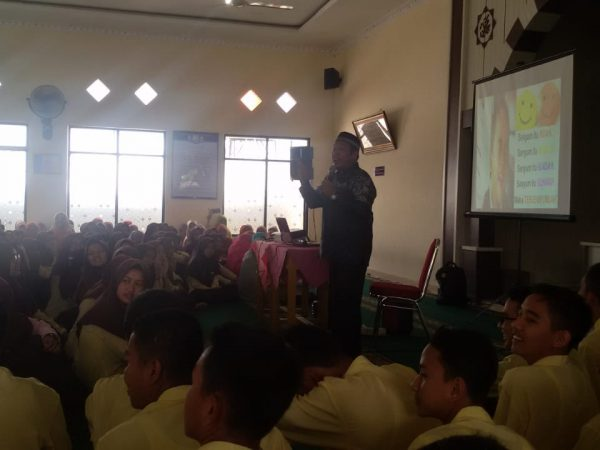 SMAN 1 Ampek Angkek Mengadakan Isra' Mi'raj Nabi Muhammad SAW 1440 Hijriah