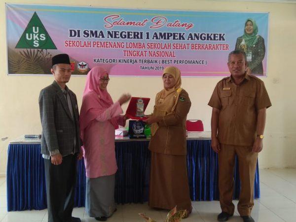 Pondok Pesantren Sumatera Tawalib Agam Melakukan kunjungan dan Studi tiru di SMAN 1 Ampek Angkek dibidang sekolah sehat