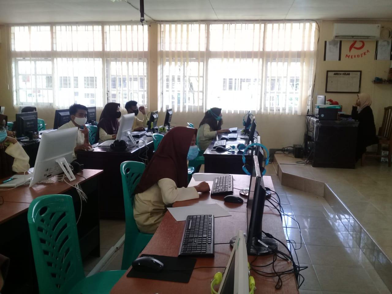 SMAN 1 Ampek Angkek Mengadakan Tryout Asesmen Kompetensi Minimum (AKM) untuk siswa kelas XI