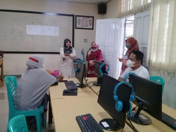 Pemda Agam Tinjau Persiapan Pelaksanaan Ujian PPPK  di SMAN 1 Ampek Angkek