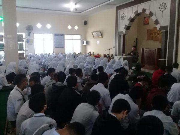 SMAN 1 Ampek Angkek Memperingati Maulid Nabi Muhammad SAW 1443 Hijriah
