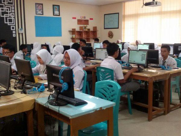 SMAN 1 Ampek Angkek Gelar Ujian Nasional Berbasis Komputer (UNBK)