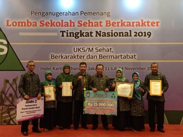 SMAN 1 Ampek Angkek Raih Juara II Lomba Sekolah Sehat Kategori Karakter Terbaik (Best Performance) Tingkat Nasional Tahun 2019
